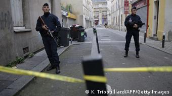Το Παρίσι προσπαθεί να επιστρέψει στην καθημερινότητα