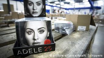 The new album, of British singer Adele, 25 is ready for distribution at Bertus Wholesale & Distribution in Capelle aan de IJssel, The Netherlands picture-alliance/dpa/A. Schippers