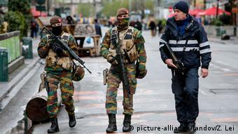 Картина, яку раніше в Європі бачили нечасто: озброєні до зубів правоохоронці патрулюють вулиці Брюсселя