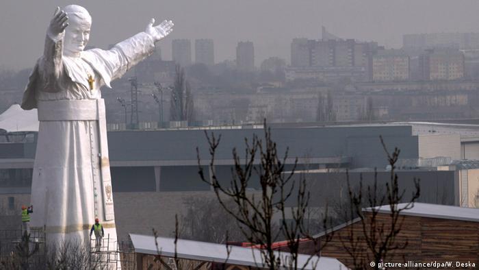 Polen Papststatue in Czestochowa