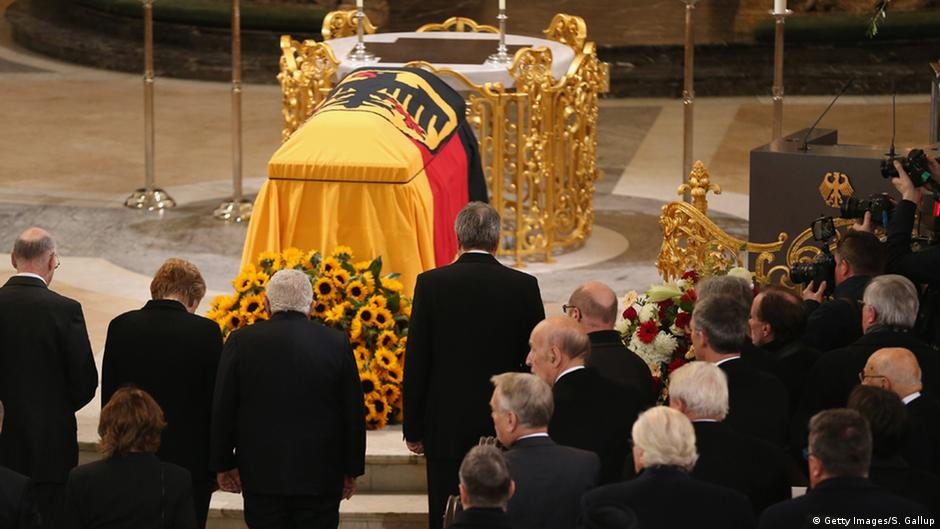 Germany Says Its Last Farewell To Helmut Schmidt