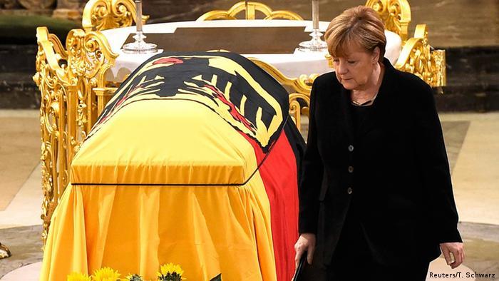 Deutschland Staatsakt für Helmut Schmidt in Hamburg - Angela Merkel