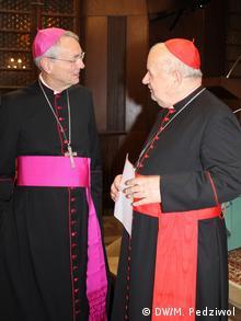 Arcybiskup Ludwig Schick w rozmowie z kardynałem Stanisławem Dziwiszem