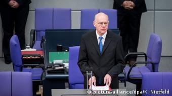 Ευτυχής ότι η εκλογή προέδρου στη Γερμανία δεν γίνεται απευθείας από το λαό, ο πρόεδρος της γερμανικής βουλής