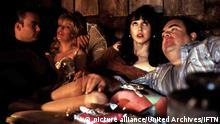 Twin Peaks: Fire Walk With Me (1992) ?, Sheryl Lee, ?,? Laura Palmer (Sheryl Lee,2vl) führt ein Doppelleben: Sie verdient sich als Prostituierte das nötige Geld für ihren Drogenkonsum. Regie: David Lynch ,