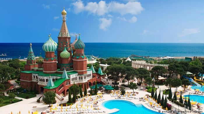 Türkei russische Touristen im Kremlin Palace Hotel in Antalya
