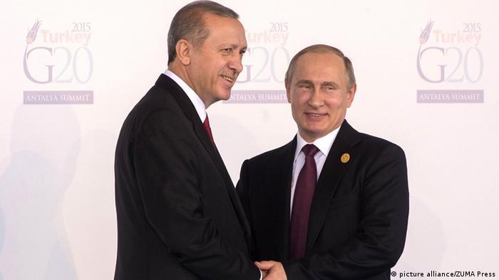 Putin und Erdo�an beim G-20-Gipfel in Antalya (Foto: Picture Alliance)