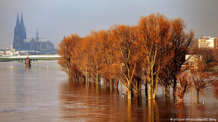 Colonia, entre inundaciones y sequías.