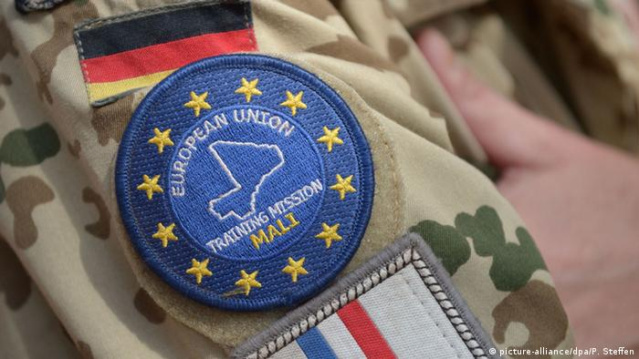 Bundeswehr in Mali Logo der Trainingsmission (picture-alliance/dpa/P. Steffen)
