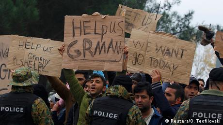 Protest der Flüchtlinge (Foto: Reuters/O. Teofilovski)