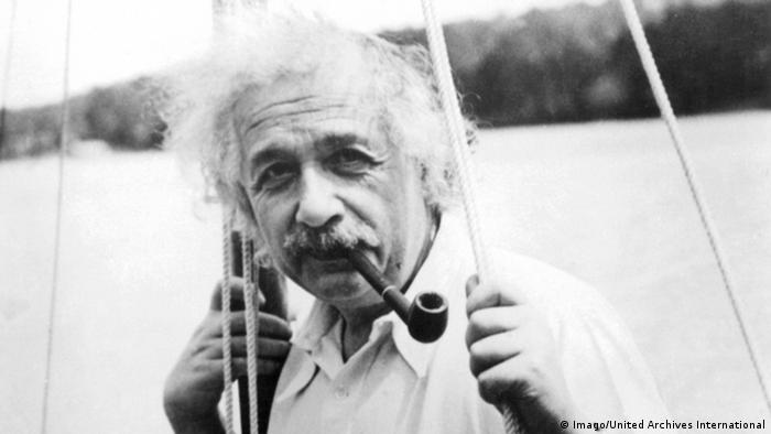 Albert Einstein deutscher Physiker 1935 (Imago/United Archives International)