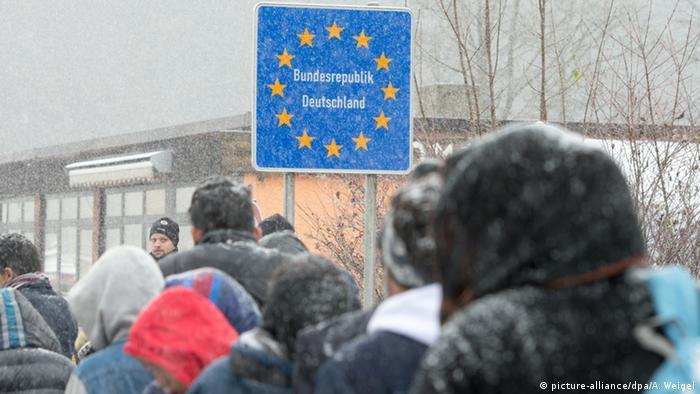 Το Βερολίνο έχει χάσει τον έλεγχο του προσφυγικού