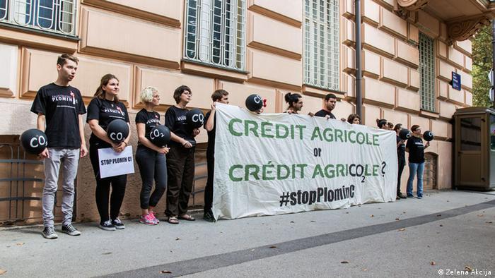 Prosvjed Zelene akcije protiv banke Credit Agricole koja je financijskih savjetnik HEP-a u projektu Plomin C