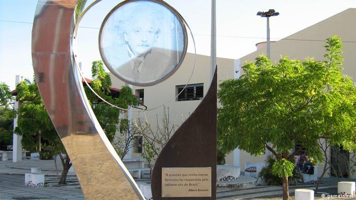 Brasilien Denkmal für den Beweis der Relativitätstheorie in Sobral (gemeinfrei)