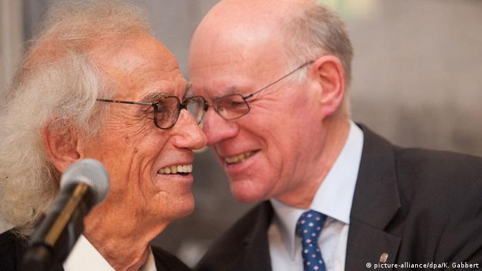 Berlin Christo and Norbert Lammert, Copyright: picture-alliance/dpa/K. Gabbert