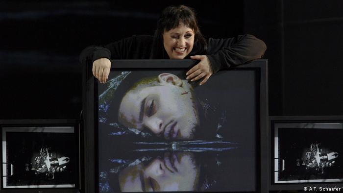 Саломея (Симона Шнайдер) с головой Иоканаана