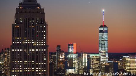 Frankreich USA Trauer für die Opfer der Anschläge in Paris Empire State Building