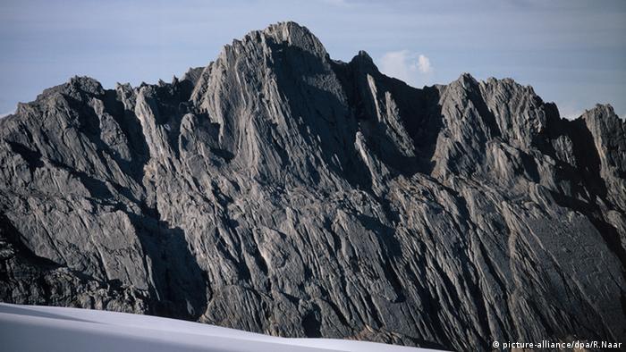 Mount Carstensz Pyramid Indonesien