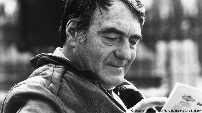 Claude Lanzmann Roter Teppich Berlin Internationales Filmfestival Goldener Bär (picture-alliance/dpa/Mary Evans Picture Library)