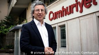 Can Dündar (picture-alliance/AP Photo/V. Arik, Cumhuriyet)