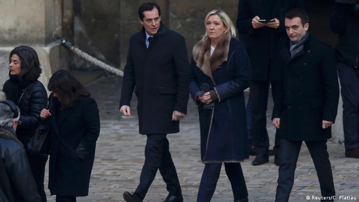Frankreich Trauer für die Opfer der Anschläge Trauergäste