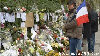 Frankreich Trauer für die Opfer der Anschläge Stadt Blumen