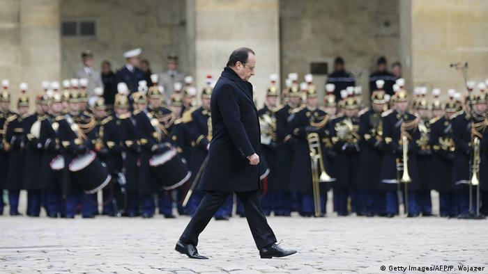 Frankreich Trauer für die Opfer der Anschläge Trauergäste Francois Hollande Orchester