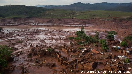 Brasilien Bento Rodrigues Damm Bruch Überflutung Bento Rodrigues Ruinen