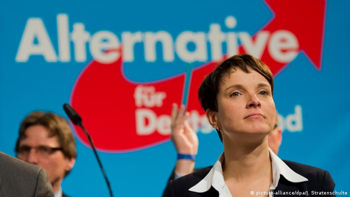 Frauke Petry auf dem AfD-Bundesparteitag 2015 in Hannover (Foto: dpa)