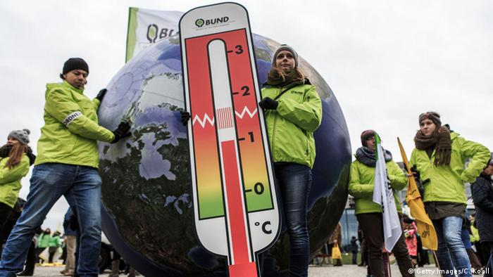 Climate protests in Berlin ahead of COP21 (c) Carsten Koall/Getty Images