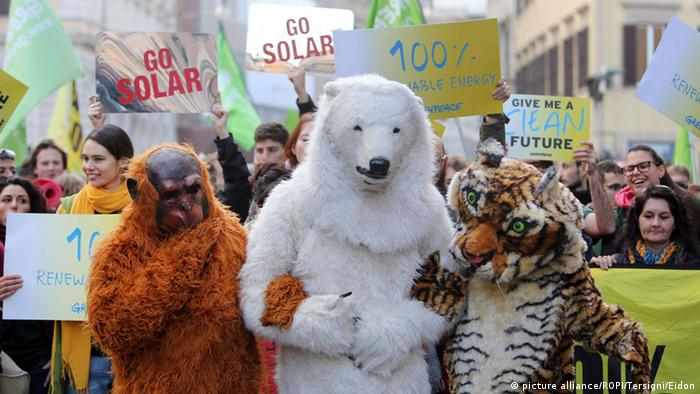 Climate demonstrations in Rome ahead of COP21 summit (c) picture alliance/ROPI/Tersigni/Eidon