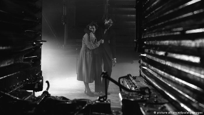 Satu potongan gambar dalam film You Only Live Once karya Fritz LAng