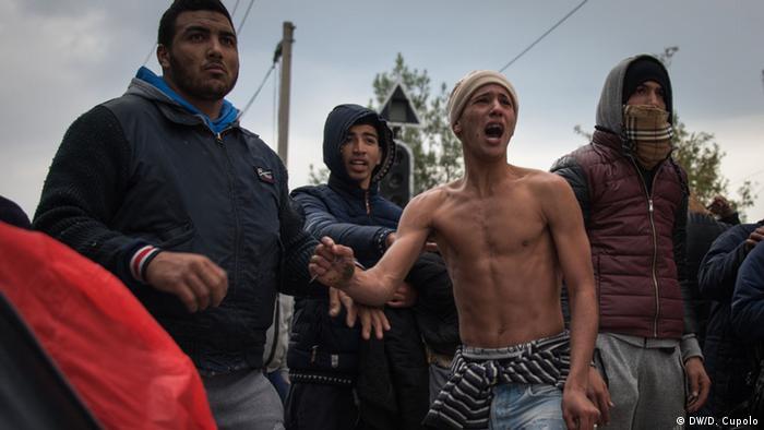 В лагере беженцев на границе Греции и Македонии