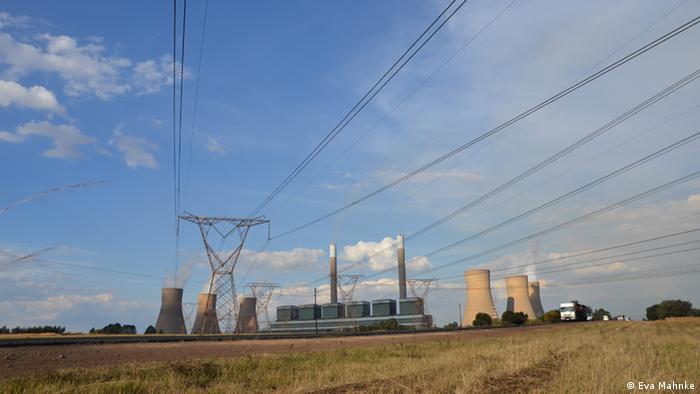 Kohlekraftwerk Duvha. 90 Prozent seines Stroms bezieht Südafrika aus Kohle (Foto: Eva Mahnke)