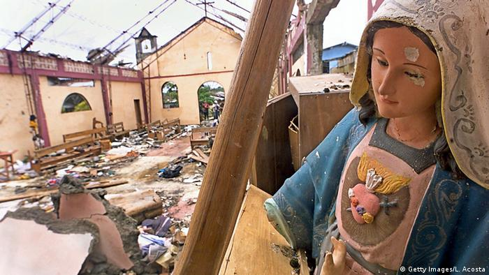 Kolumbien Bojaya Kirche Zerstörung Jungfrau Maria Statue