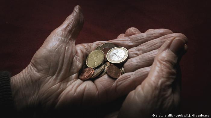 Deutschland Rentner Symbolbild zu Fast jeder zehnte Rentnerhaushalt von Armut bedroht