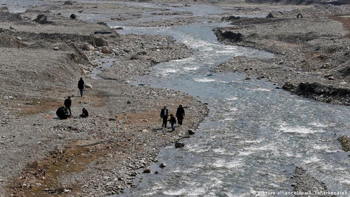 Iran Albroz Gebirge Fluß Trockenheit