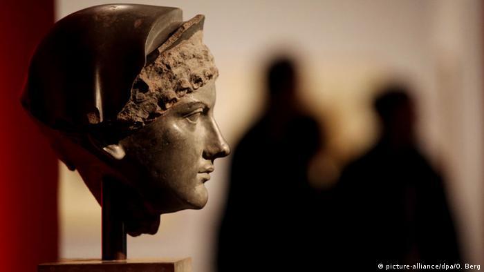 Скульптурный портрет Агриппины на выставке в Кельне