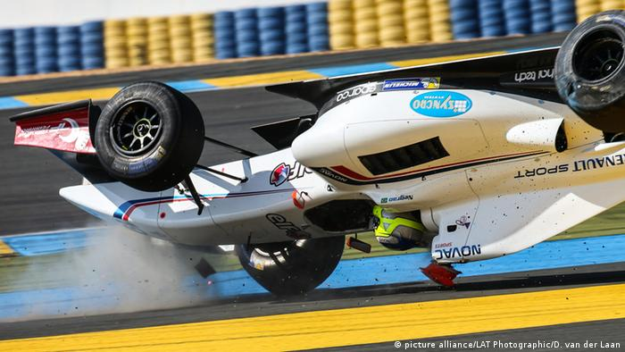 Frankreich Le Mans Unfall Andre Negrao