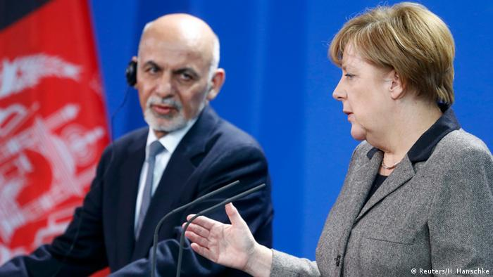 Ghani and Merkel in Berlin (Foto: Hannibal Hanschke/Reuters)