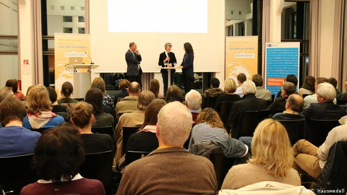 More than one hundred guests attended the discussion held at the end of November at the Forum Internationale Wissenschaft in Bonn (photo: DW Akademie/Charlotte Hauswedell).
