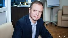 2015 Seit 2012 wächst in Russland rapide die Zahl der Fällen, wo russische Staatsbürger wegen Hochverrats angeklagt werden. Iwan Pawlow ist ein moskauer Rechtsanwalt und gehört zu einer informellen Gruppe der Menschenrechtler Komanda 29, die sich für Informationsfreiheit stark machen; Copyright: privat