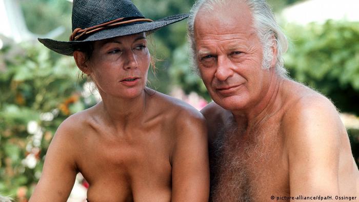 Deutschland Schauspieler Curd Jürgens mit seiner vierten Ehefrau Simone Bicheron