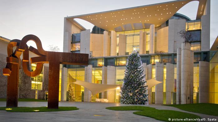 Weihnachtszeit in Berlin Kanzleramt