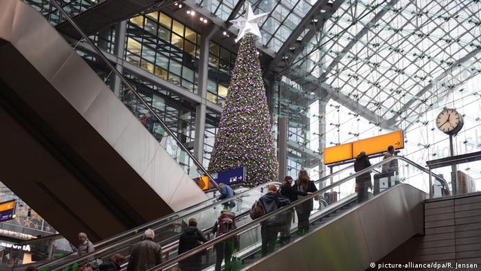 Weihnachtszeit in Berlin Hauptbahnhof