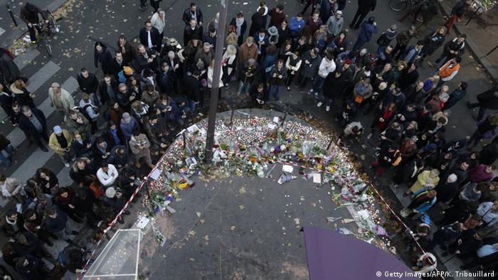 Frankreich Cafe A La Bonne Biere Trauer nach den Anschlägen von Paris