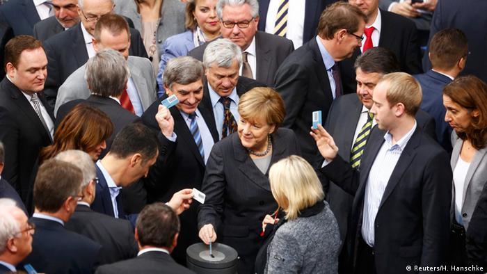 Deutschland Bundestag Abstimmung zum Syrien-Einsatz der Bundeswehr