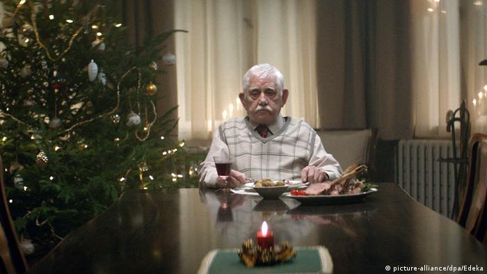 Deutschland Weihnachtswerbung mit einsamen Rentner wird zum Internethit
