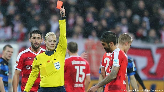 Fußball Kerem Demirbay beleidigt Schiedsrichterin Bibiana Steinhaus