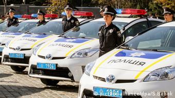 Neue Polizeifahrzeuge in der Ukraine - picture-alliance/dpa/S.Bobok